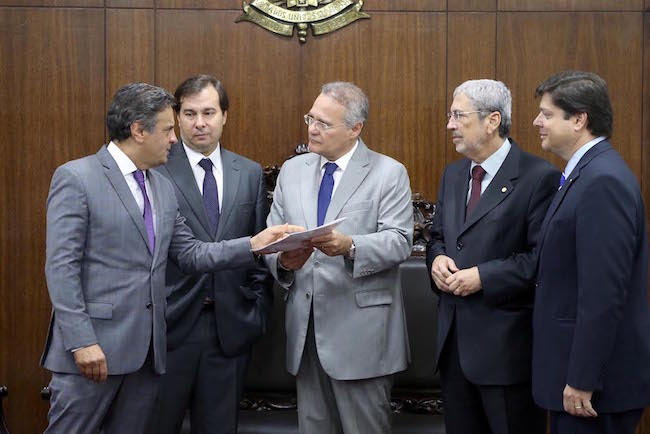 Aécio Neves com os presidentes da Câmara e do Senado