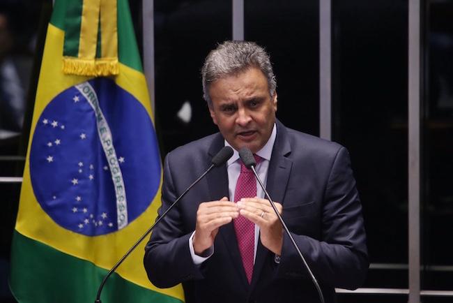 Aécio Neves na Aprovação da PEC da Reforma Política no Senado