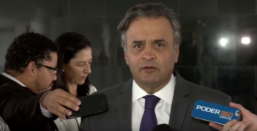 Aécio Neves coletiva Cemig