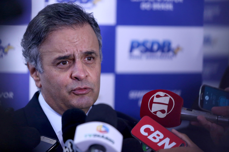 Aécio Neves coletiva PSDB