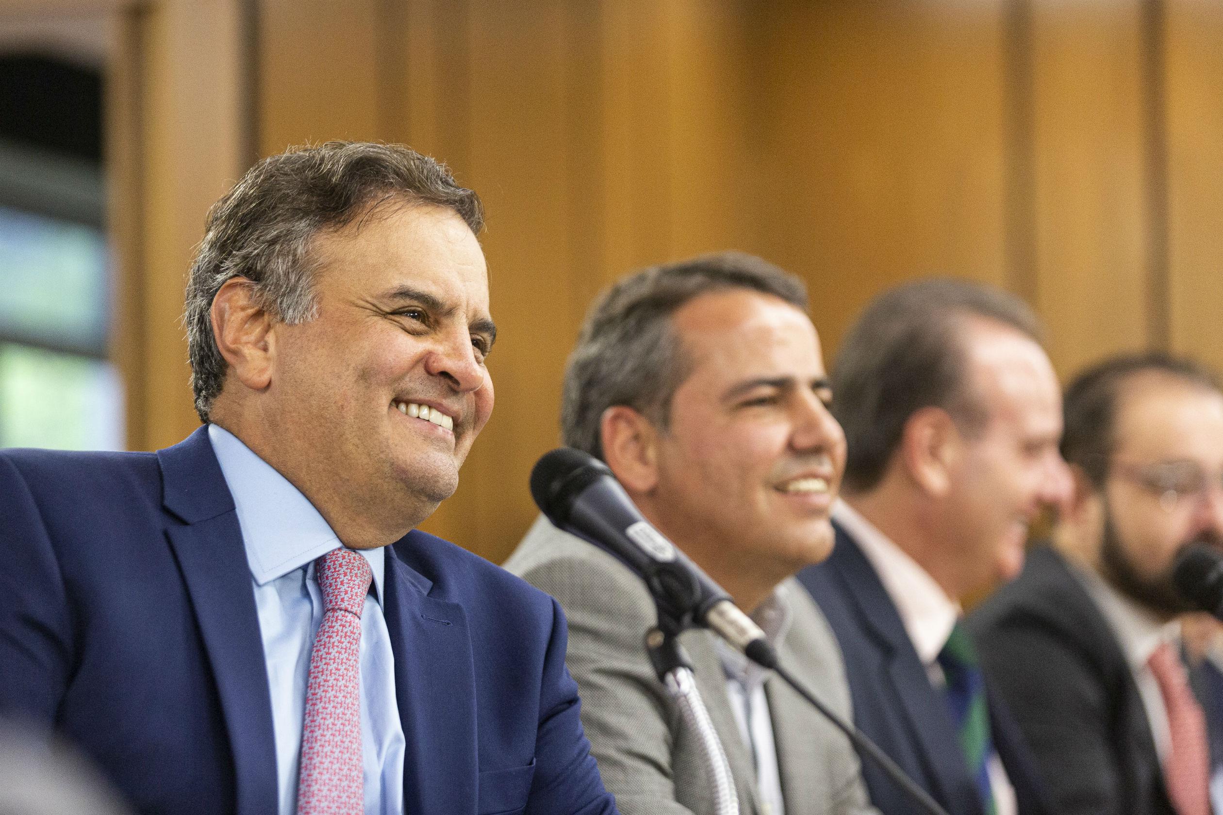 Ao lado do presidente da AMM e do TCE, Aécio defende a transferência direta dos recursos de emendas aos municípios